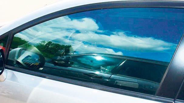 Arabada cam filmi yasaklandı