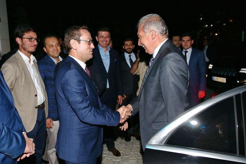 Mevlüt Uysal Başakşehir'i ziyaret etti