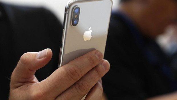 iPhone X Samsung'un anavatanında yok satıyor!