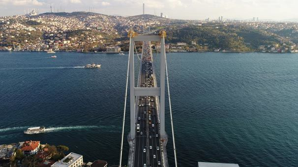 Köprünün 165 metresinde nefes kesen çalışma havadan görüntülendi